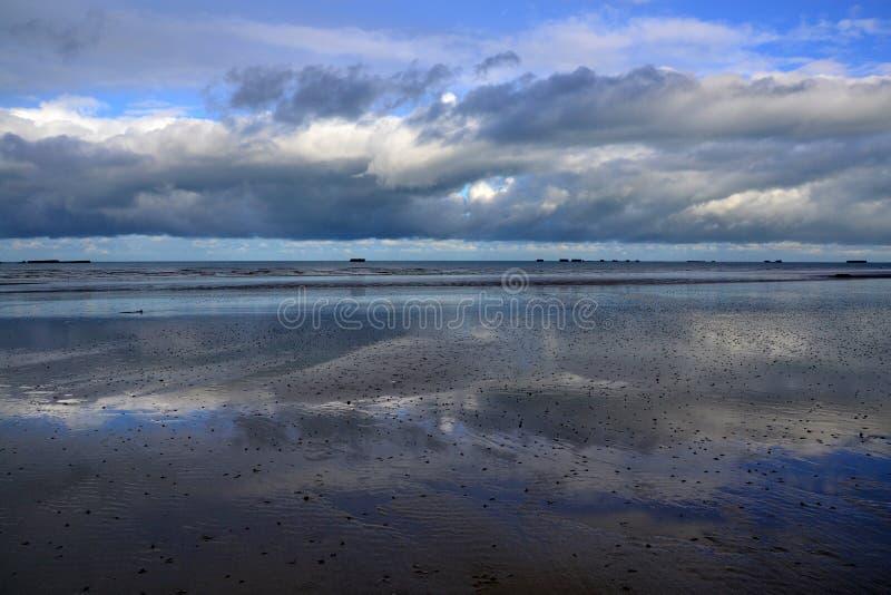 Specchio della sabbia della Normandia fotografia stock libera da diritti
