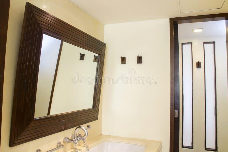 Specchio moderno immagine stock
