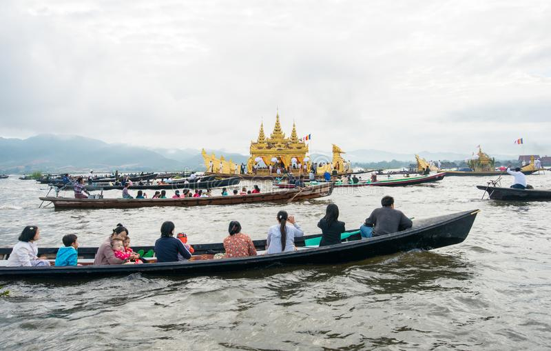 INLE-LAKE, MYANMAR - OCT 06 2014: The festival of Phaung Daw Oo Pagoda at Inle Lake stock images