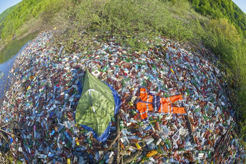 Special operation to clean up the river of debris royalty-vrije stock foto