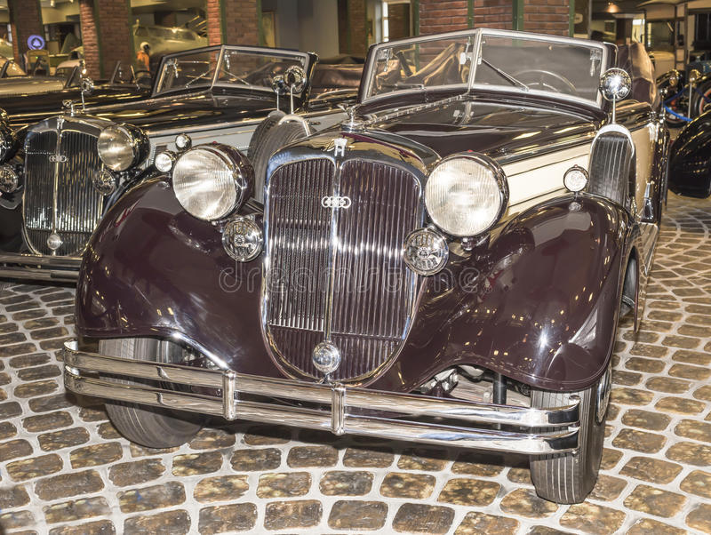 853A-Special-Roadster, Horch(1937).Max.speed,km/h-135. MOSCOW,RUSSIA-DECEMBER 15- 853A-Special-Roadster, Horch(1937).Max.speed,km/h-135 at the Museum of royalty free stock photos