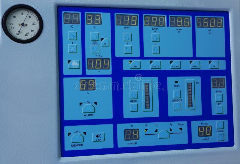 Speciale medische apparatuur in moderne kliniek royalty-vrije stock afbeelding