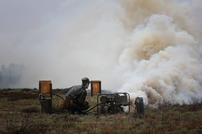 Speciale militaire uitrusting voor rook royalty-vrije stock foto
