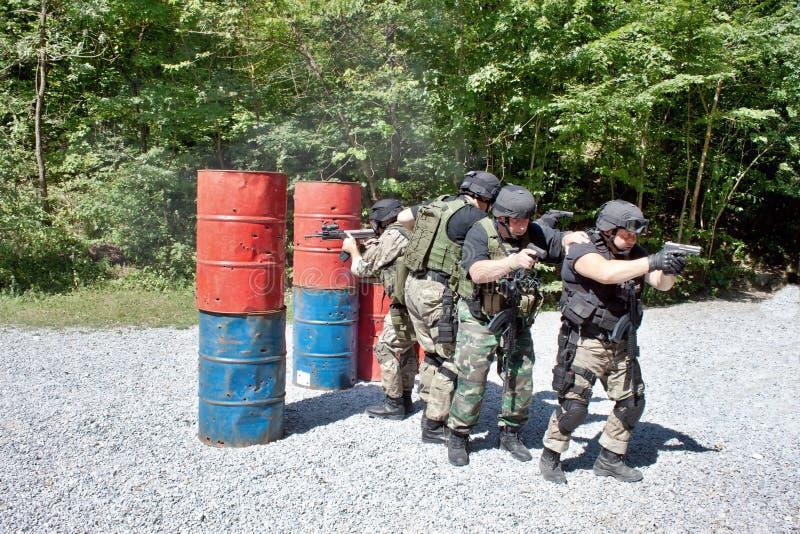 Speciale politie-eenheid in opleiding royalty-vrije stock afbeelding