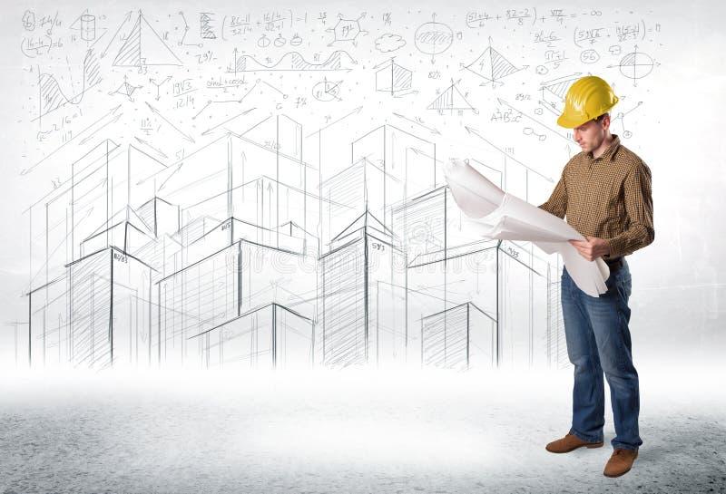 Specialista bello della costruzione con la città che assorbe fondo immagini stock