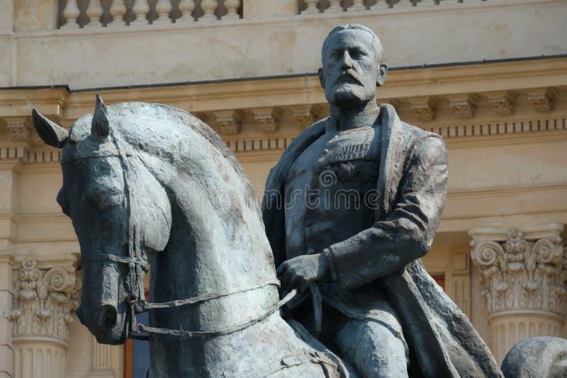 Specificera sikten av den rid- monumentet av konungen Carol första, Bucharest, Rumänien royaltyfri foto