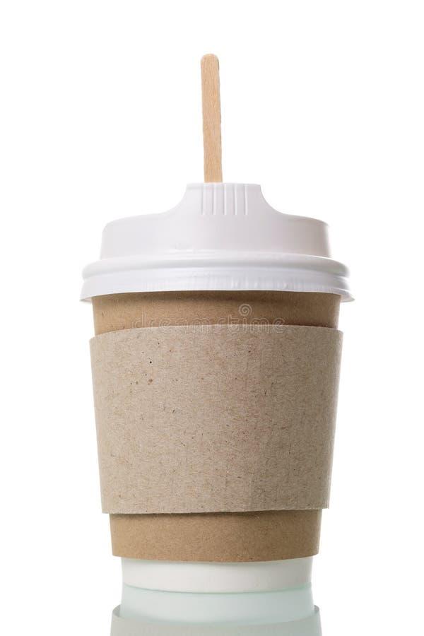 Specjalny zbiornik z deklem i drewnianą łyżką dla kawowy oddalonego odosobnionymi na bielu, zdjęcia royalty free