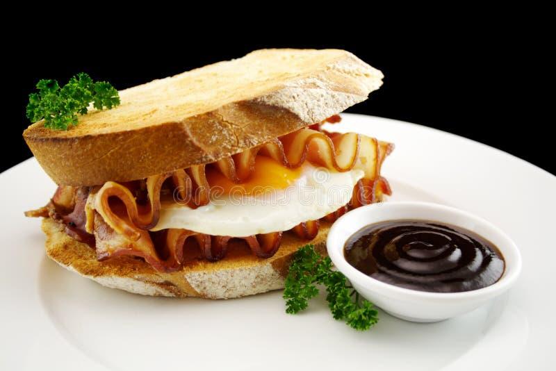 Speck-und Ei-Sandwich lizenzfreies stockbild