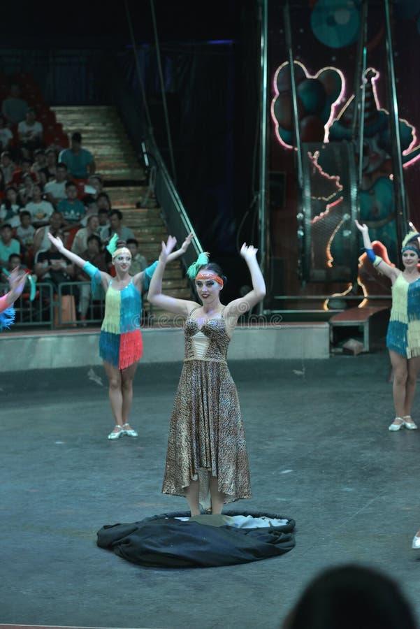 Spectacle de magie de cirque de Changhaï images stock