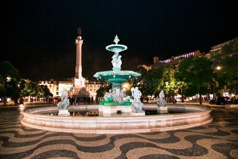 Spectaculaire barokfontein op het Rossio-plein in Lissabon, Portugal royalty-vrije stock fotografie
