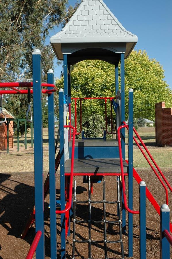 Speelplaats 2 van jonge geitjes stock afbeelding