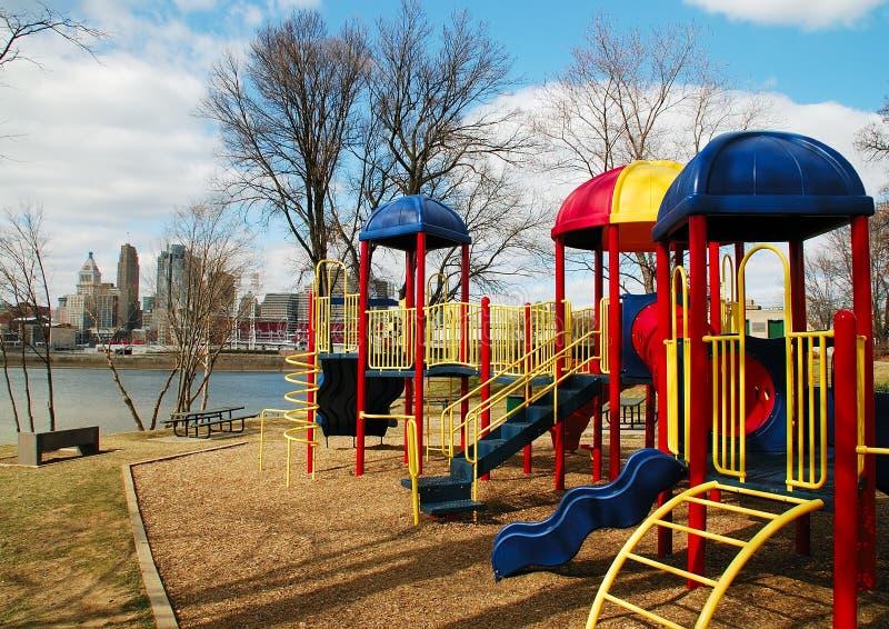 Speelplaats in de Stad stock foto
