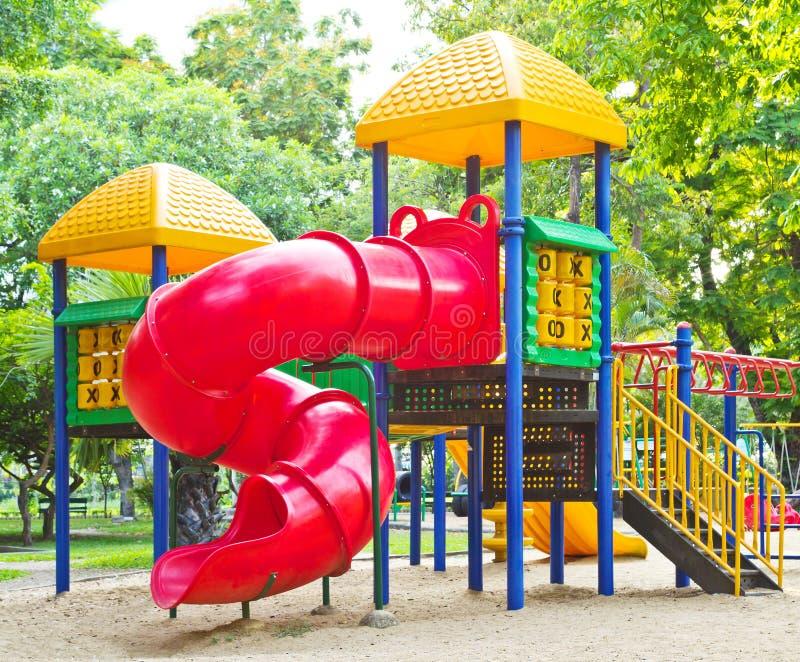 Download Speelplaats in het park stock afbeelding. Afbeelding bestaande uit decoratief - 29514387