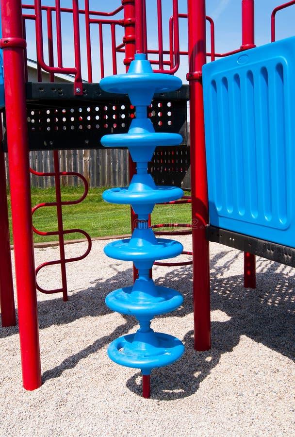 Speelplaats spiraalvormige het beklimmen structuur stock fotografie