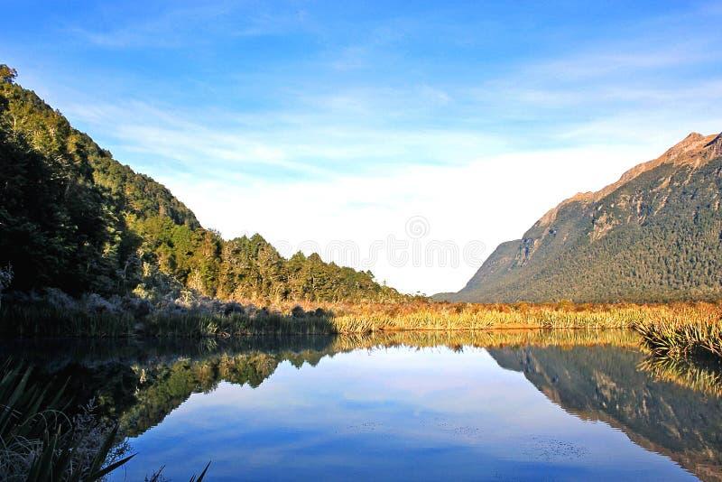 Spegel sjöar, Nya Zeeland arkivbild