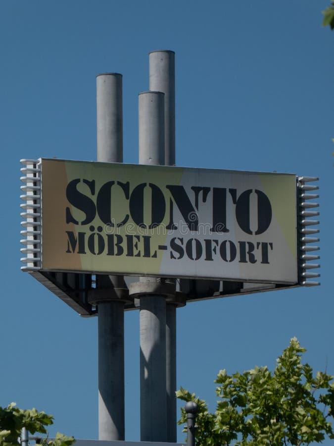 Speicher Sconto Mobel lizenzfreies stockfoto