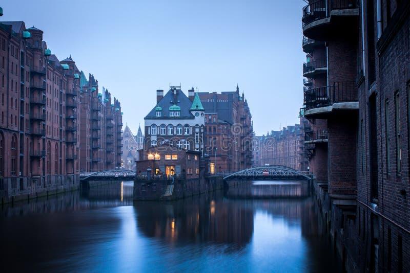 Speicherstadt en Hamburgo, Alemania fotos de archivo