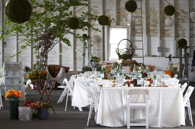 Speisetisch stellte für eine Hochzeit oder ein Unternehmensereignis ein stockbilder