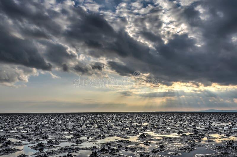 Spektakulär himmel över den Morecambe fjärden arkivfoto