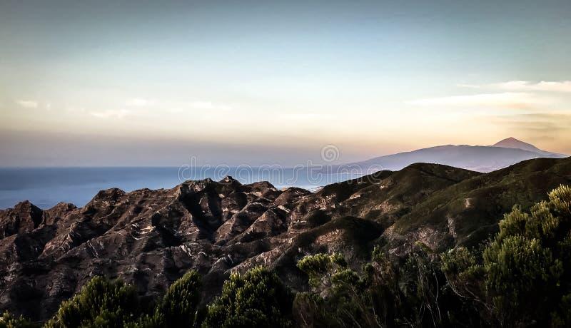 Spektakulär sikt över ön av Tenerife från Anaga till Teide arkivfoton