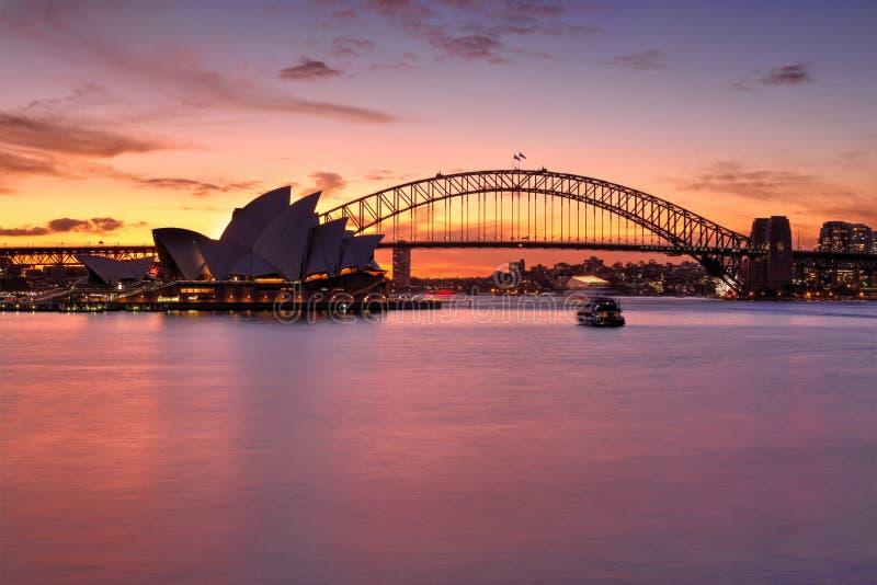 Spektakulär solnedgång över Sydney Harbour royaltyfri fotografi