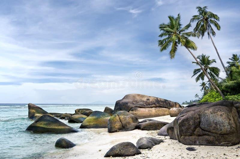 Spektakulär strand av den tropiska ön arkivbilder