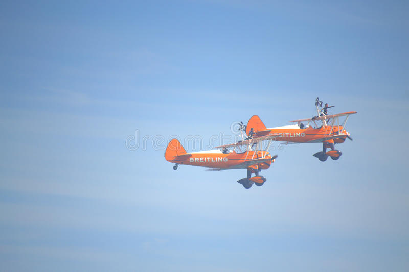 Spektakularni Wingwalkers anteny aerobatics obraz royalty free