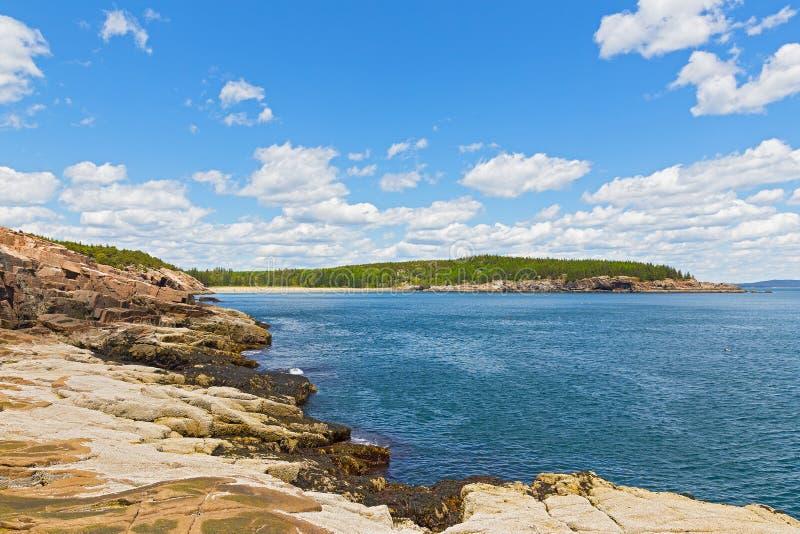 Spektakularny krajobraz Atlantycka oceanu wybrzeża linia w Acadia parku narodowym, Maine, usa zdjęcia stock