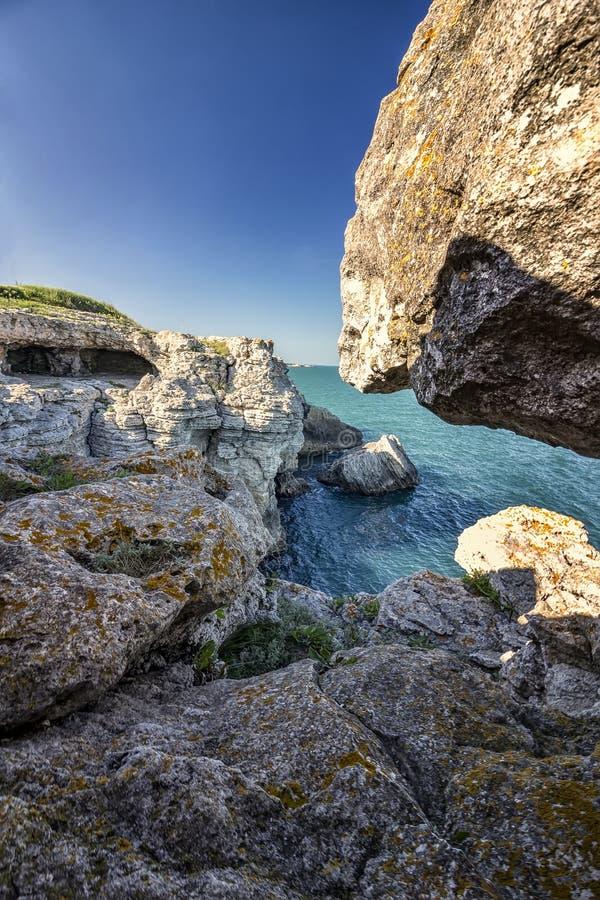 Spektakularny krajobraz przy nabrzeżnymi falezami zdjęcie royalty free
