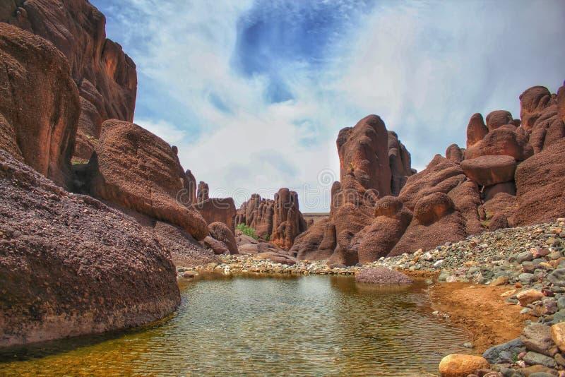 Spektakularny sceniczny widok powulkaniczne rockowe formacje w obrzeżach Tislit wąwozy w Taliouine, południowy Maroko fotografia stock