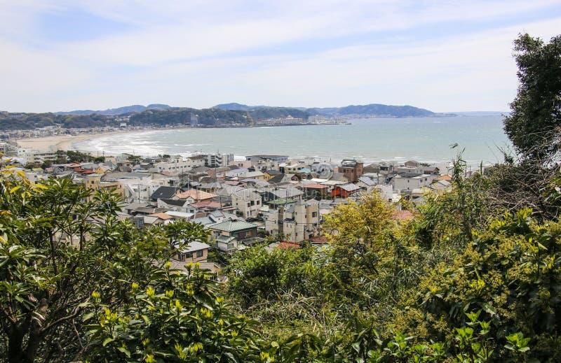 Spektakularny widok z lotu ptaka Kamakura Saga zatoka od drugi pozioma w Hasedera świątyni, Kamakura, Japonia obraz royalty free
