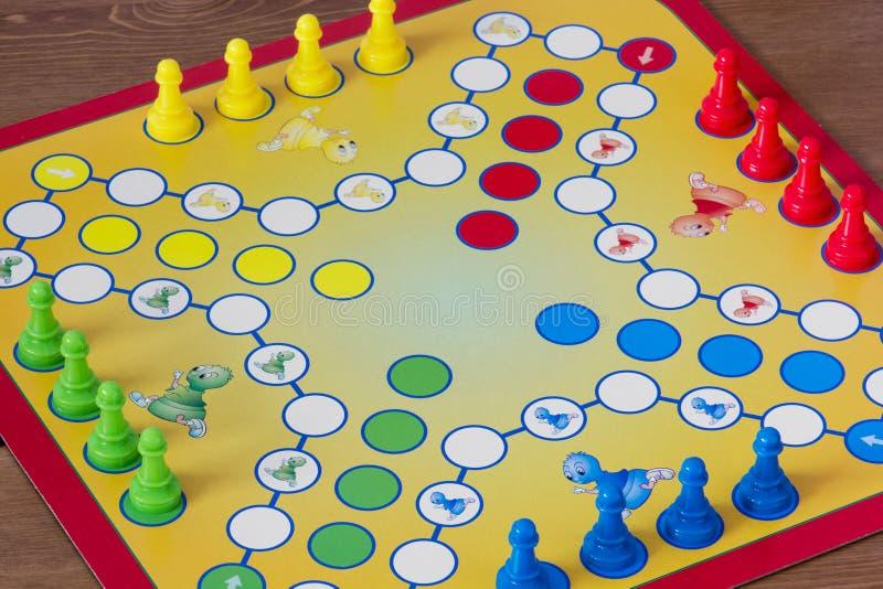 Spel van Ludo royalty-vrije stock afbeeldingen