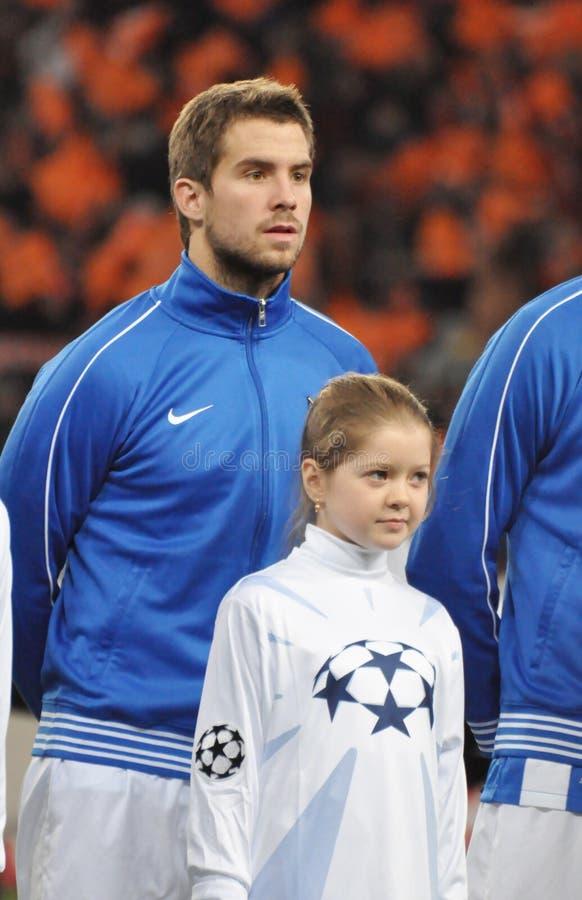 Spelare av Real Sociedad med flickan arkivfoto