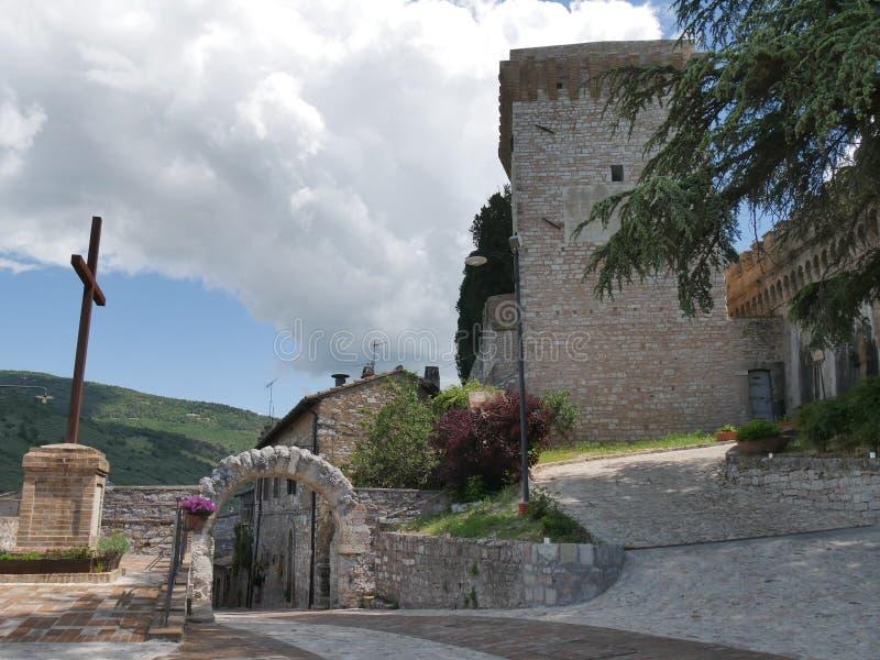 Spello - Roman Arch St e Belvedere imagens de stock