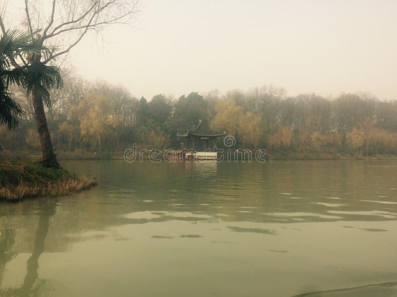 Spenslig västra sjö i Yangzhou arkivbilder