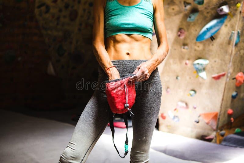 Spensligt vagga klättraren rymmer en kritapåse fotografering för bildbyråer