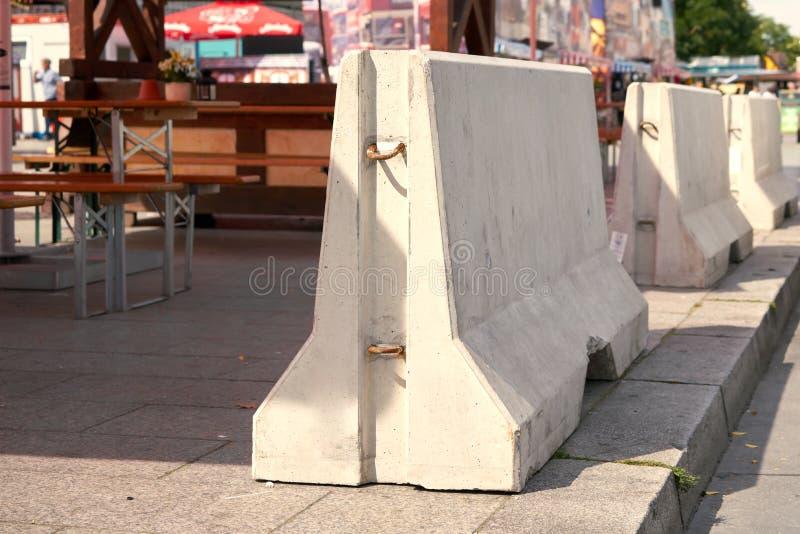 Sperren des Betons in Berlin lizenzfreie stockbilder