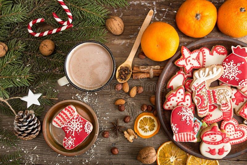 Spese generali del fondo di festa del nuovo anno di Natale con gingerbre fotografia stock libera da diritti
