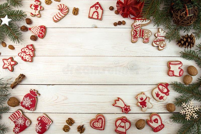 Spese generali del fondo di festa del nuovo anno di Natale Gingerbre rosso immagine stock libera da diritti