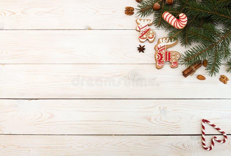 Spese generali del fondo di festa del nuovo anno di Natale Gingerbre rosso immagine stock
