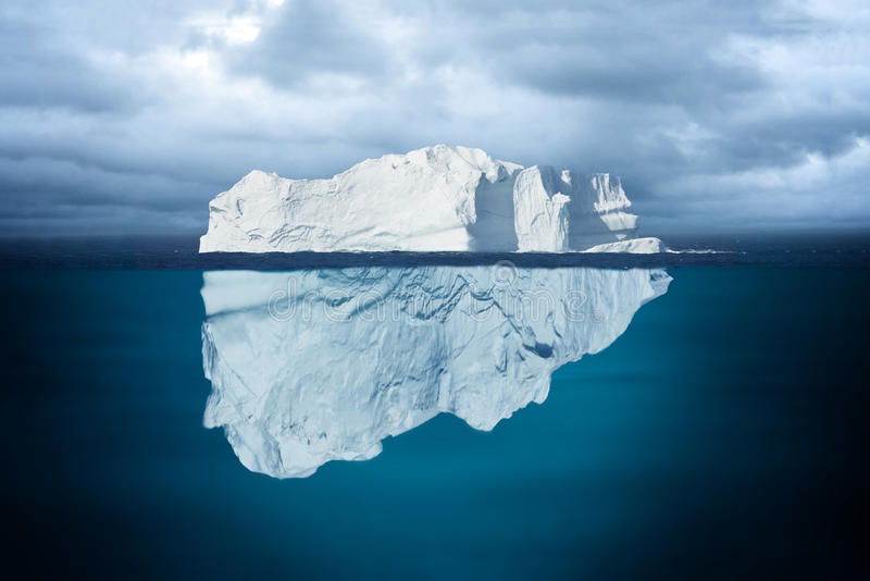 Spets av ett isberg arkivfoton