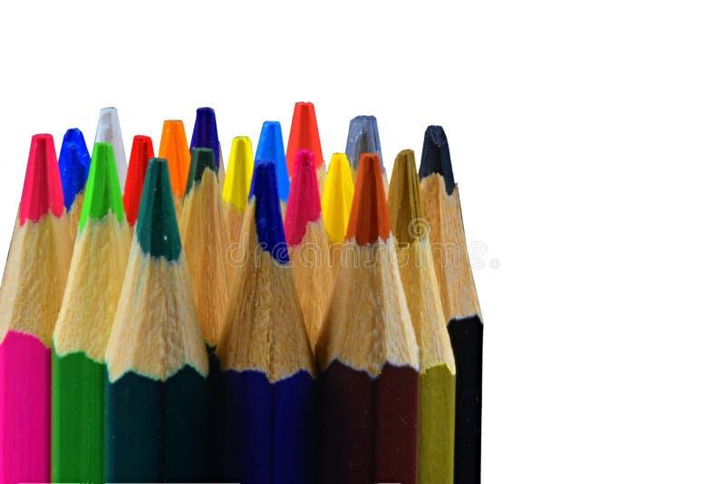 Spetsar av kulöra blyertspennor på vit bakgrund tillbaka skola till kopiera avstånd close upp fotografering för bildbyråer