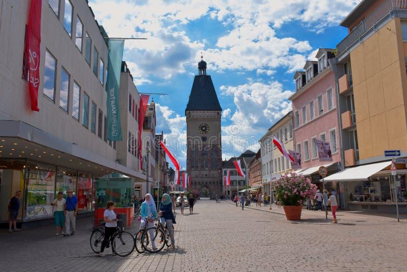 Speyer, Rhénanie-Palatinat, Allemagne - 7 juillet 2019 : Vue à l'Altpoertel - vieille porte dans Speyer photo libre de droits
