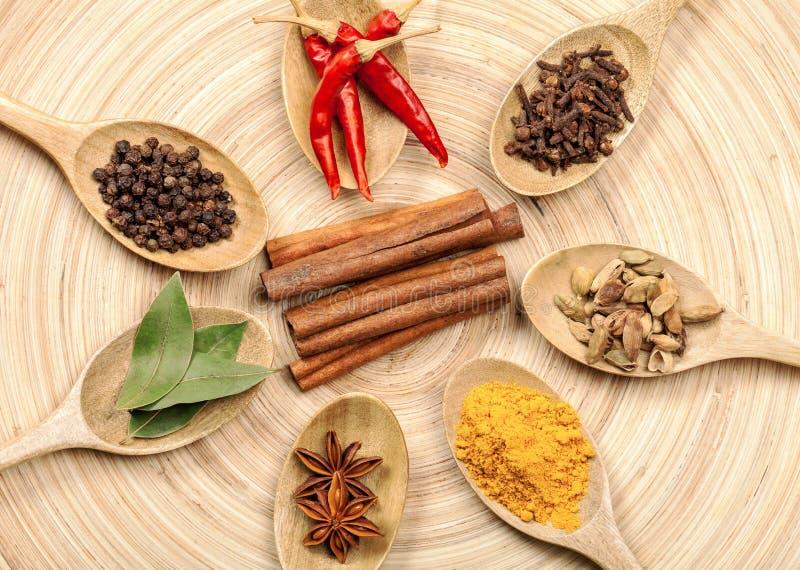 Download Spezia immagine stock. Immagine di alimento, indiano - 117981763