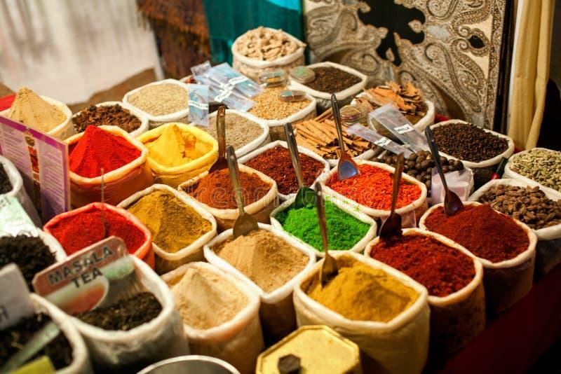 Spezie al mercato all'aperto immagini stock libere da diritti