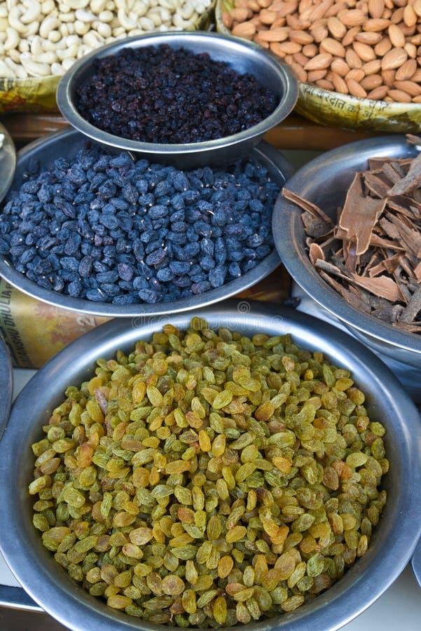 Spezie indiane e frutti asciutti immagine stock libera da diritti