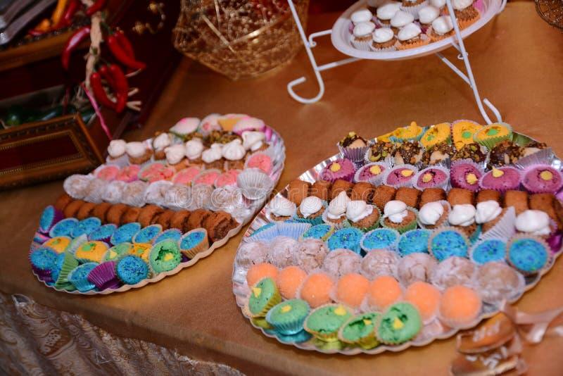Spezielle Bonbons für die Hennastrauchfeier stockbilder