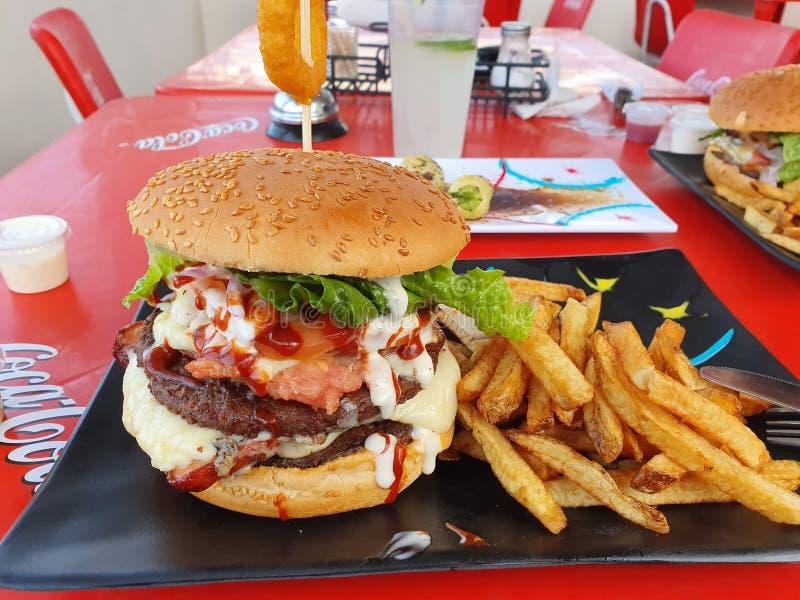 Spezieller großer Hamburger stockfoto