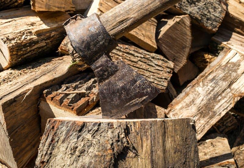 Spezzettamento del legno a pezzi immagine stock libera da diritti