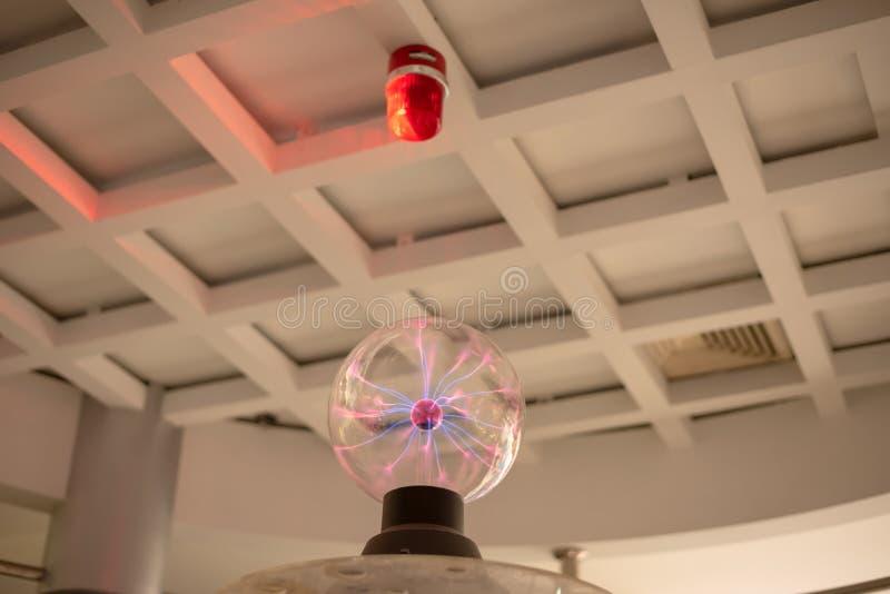 Sphère électrique de plasma photos stock